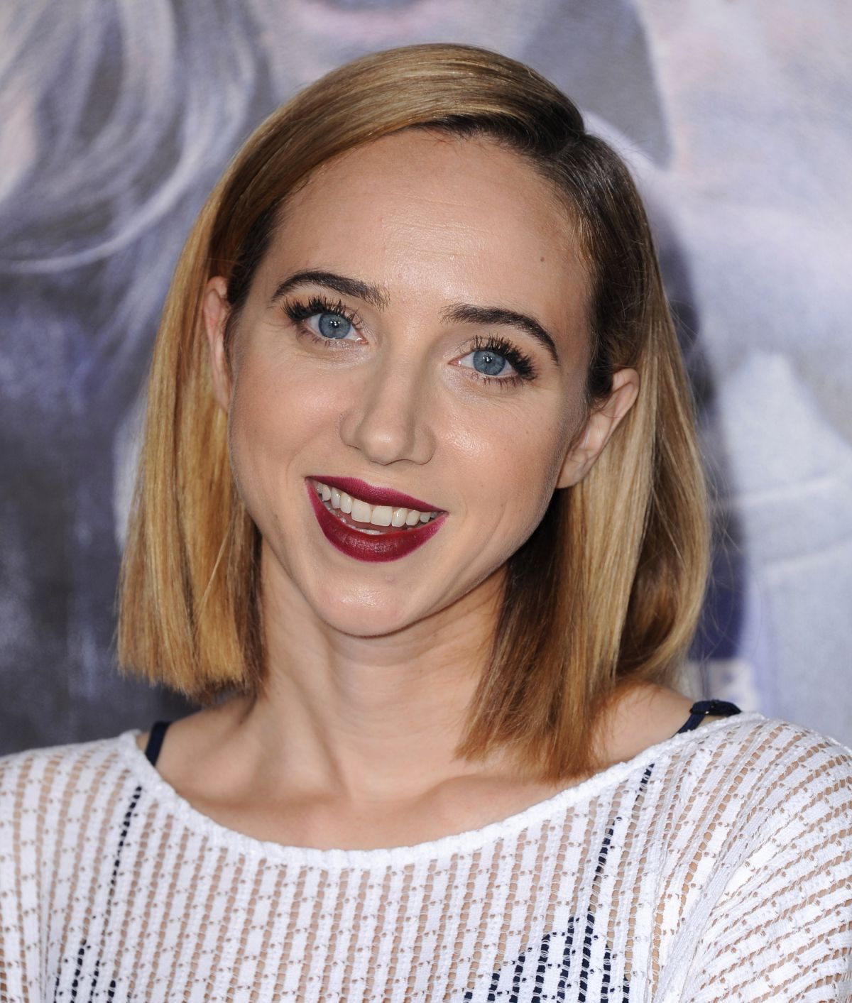 zoe kazan weight height