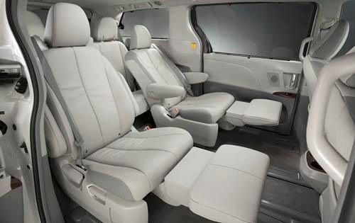 Sliding Second Row Seats With Leg Rest Toyota Sienna Roomy Cars