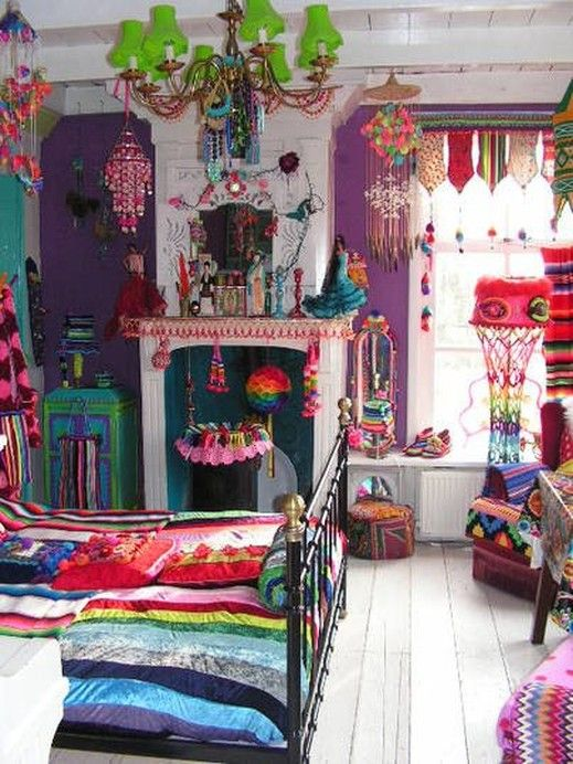 Hippie themed smoking room home design decor for Cool hippie bedroom ideas