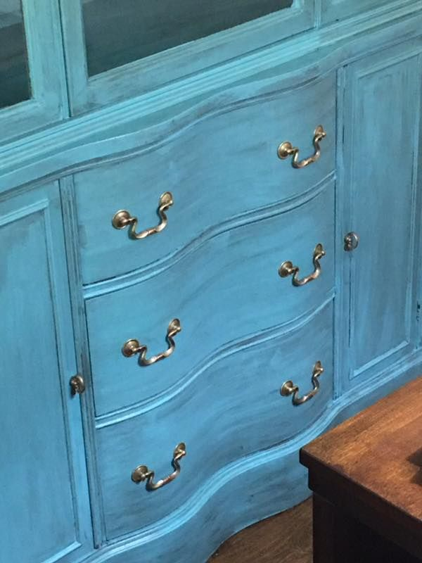 Kay Parrish Used Dixie Belle Blue With Grunge Glaze On This Beautiful China  Cabinet.
