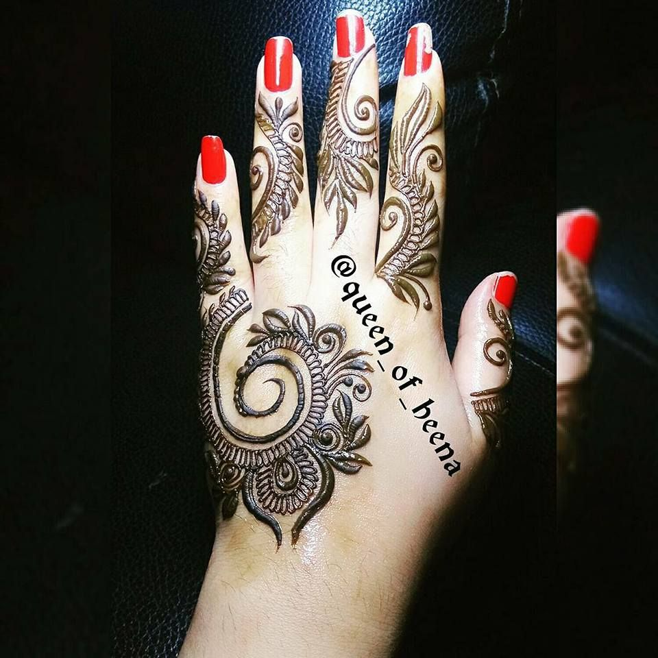 Stylish Women Back Of Hands Mehndi Designs For Wedding 2018 8