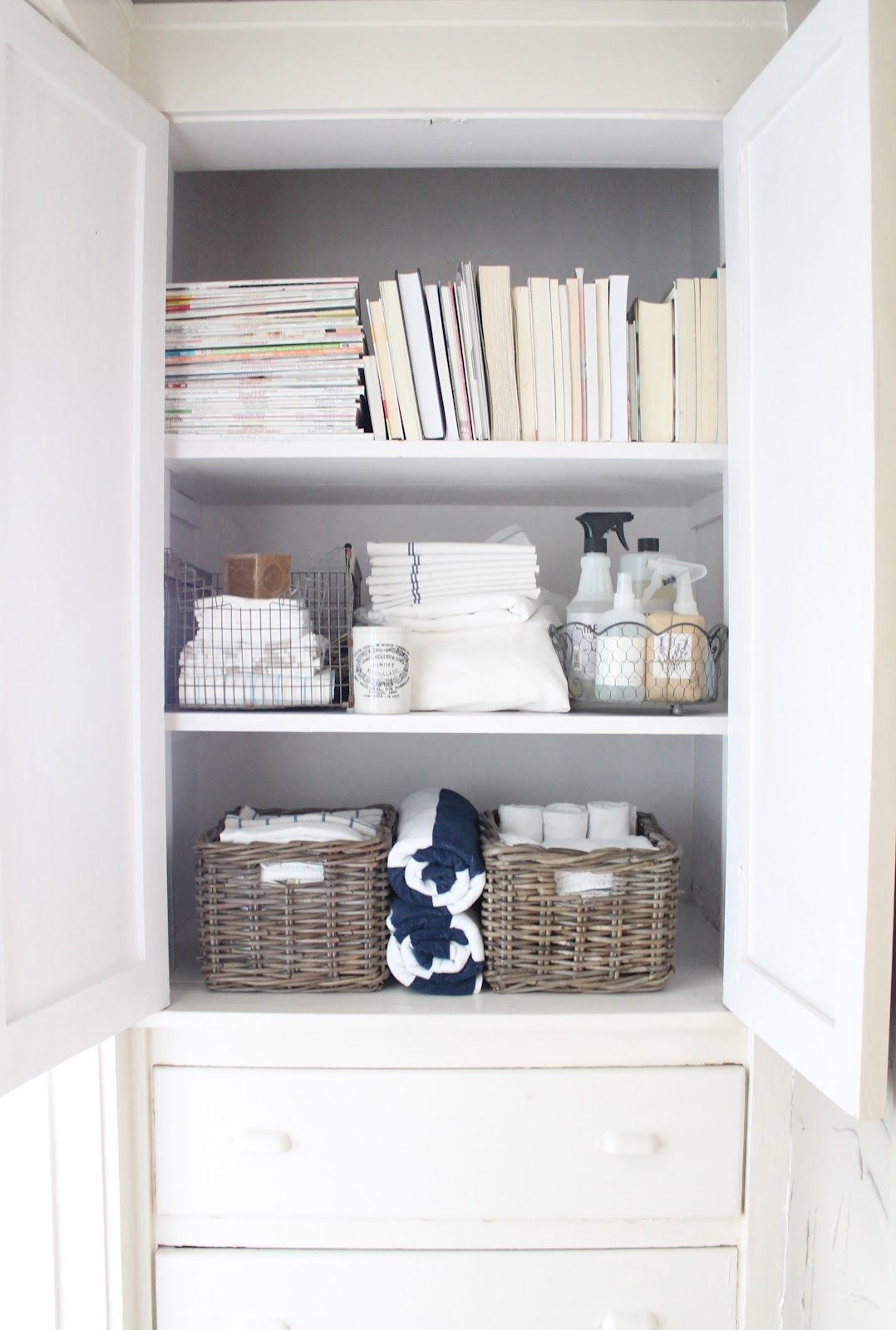 Organized linen closet. Great idea to move bathroom cleaning ...