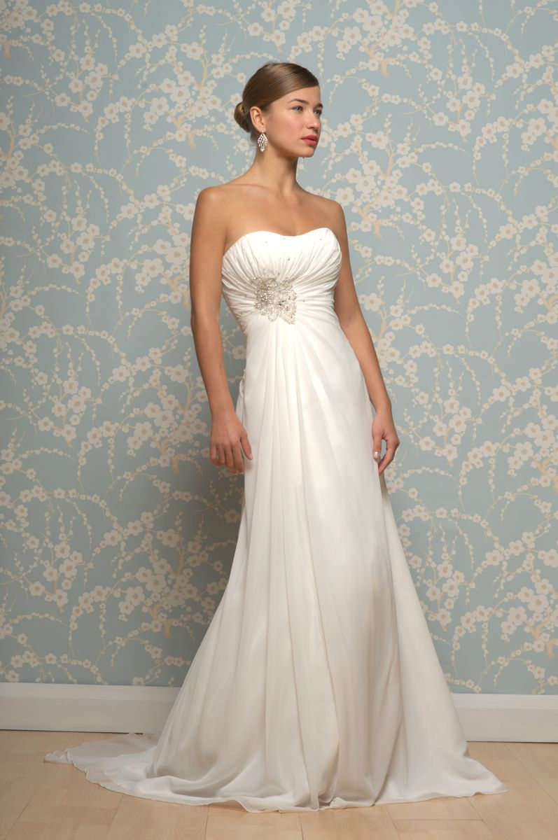 Sleek Wedding Dress Niinatar R643