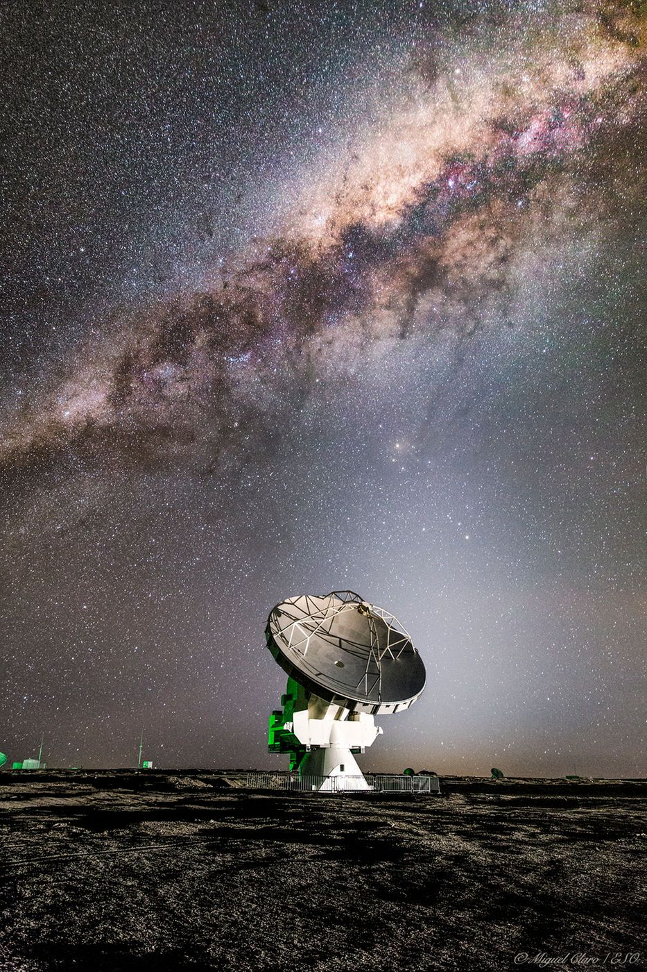Milky Way Glitters Over Alma Radio Telescope In Stunning Photo Milky Way Astronomy Space Pictures