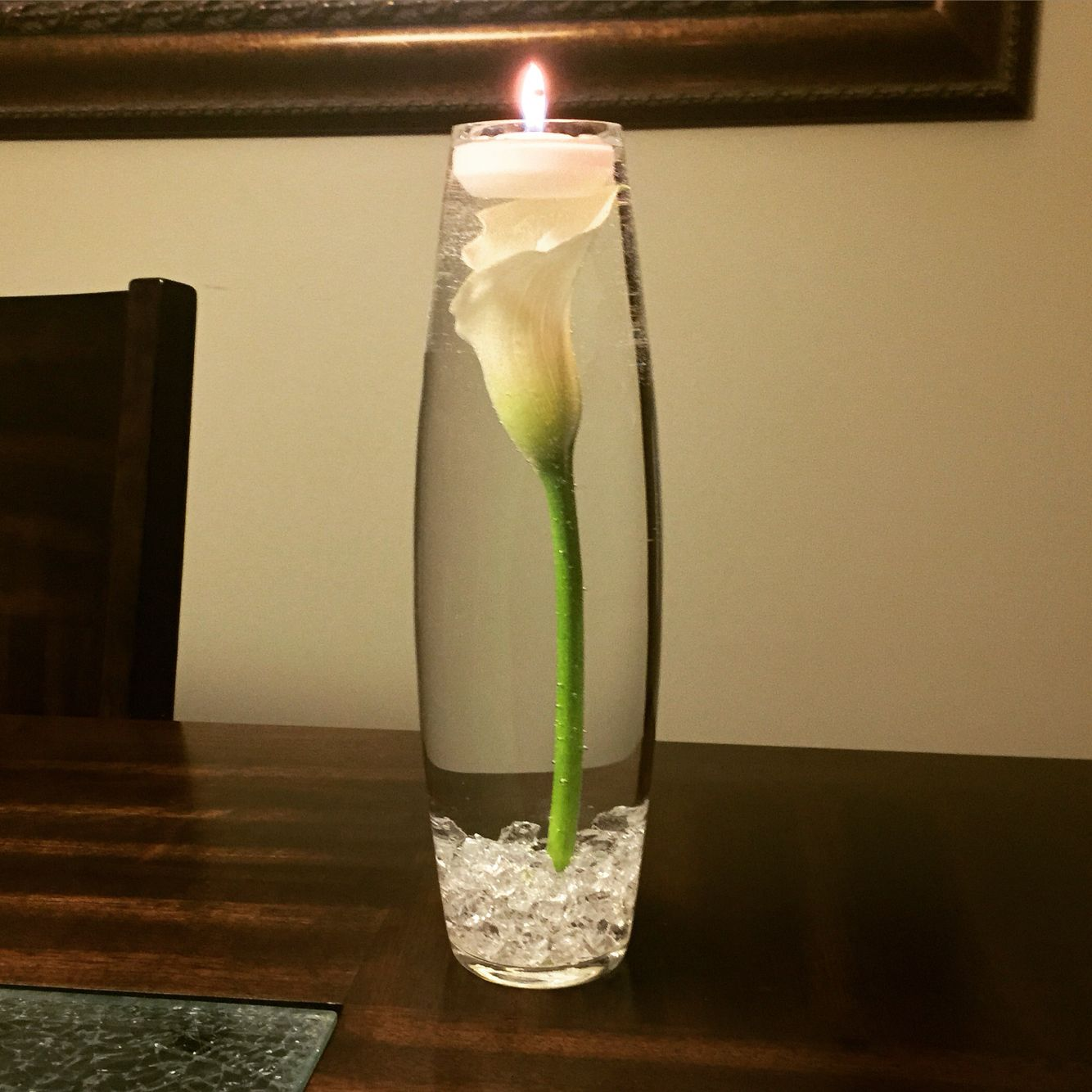 Floating Lily Centerpiece Ideas: Submerged Calla Lily, With Clear Stones And Floating