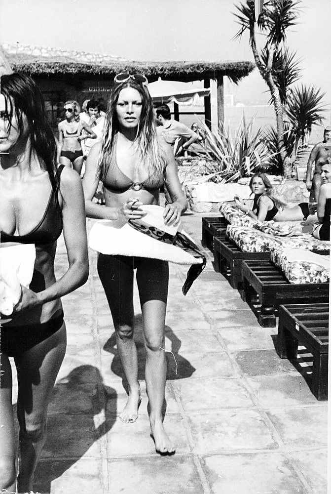 Brigitte Bardot On Holidays In Spain On The Beach Of Almeira October 10 1970