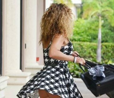 El viento es tu peor enemigo cuando llevas vestido  El último descuido de Jennifer Nicole Lee http://www.guiasdemujer.es/st/uncategorized/El-ultimo-descuido-de-Jennifer-Nicole-Lee-4538