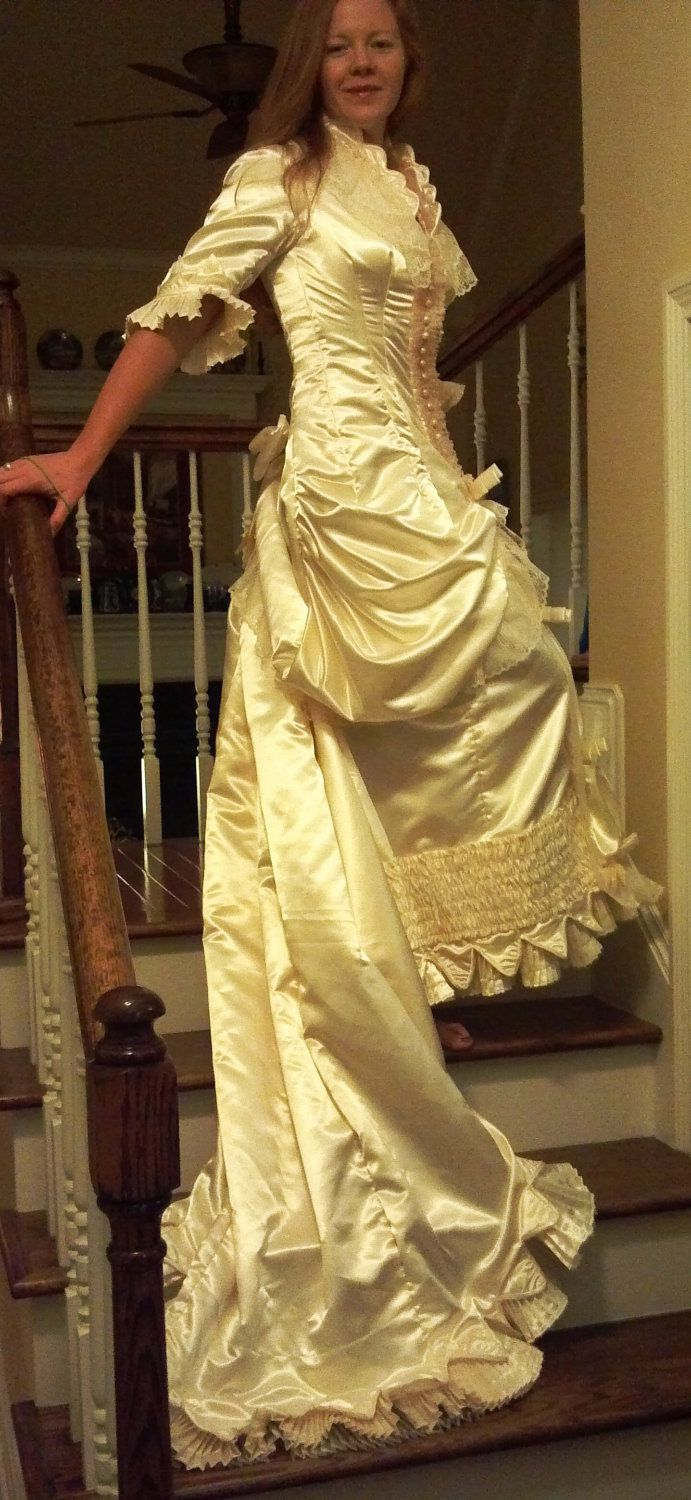 Victorian style wedding dress size gorgeous new with exquisite