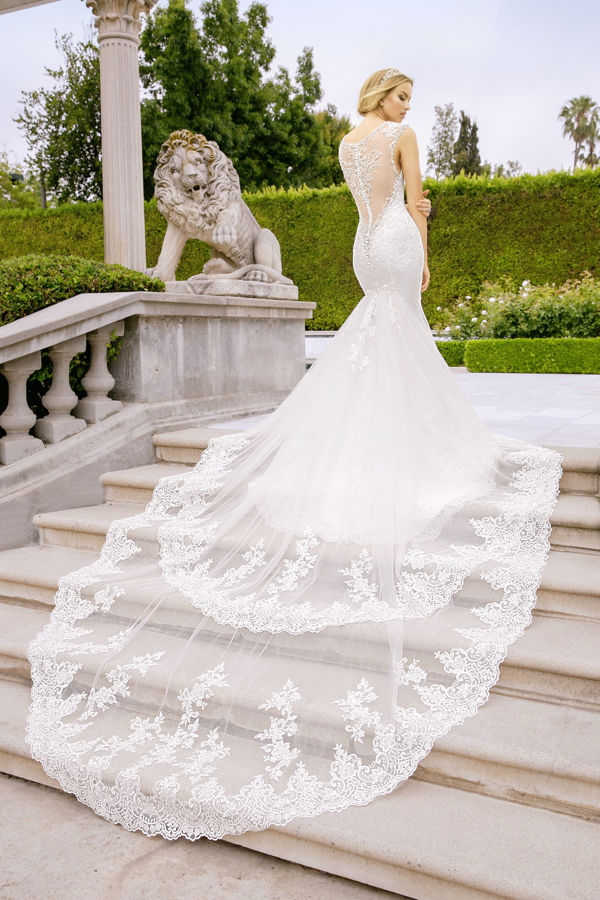 How To Choose A Wedding Gown That Is