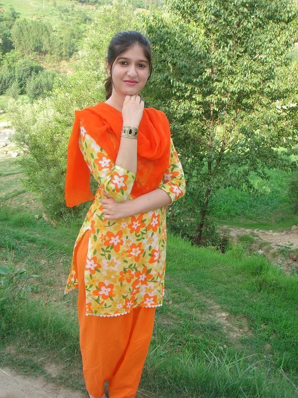 Karachi Liaqtabad Girls Pictures  Pakistani Girls Mobile -3953