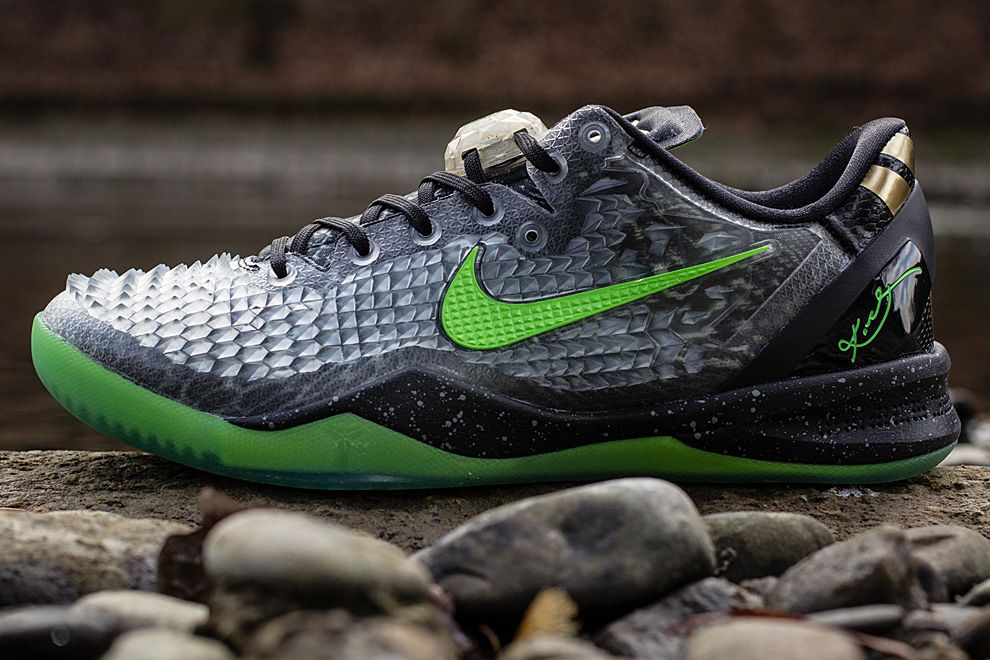 """buy popular d1d48 7e6a3 Nike Kobe 8 System SS """"Christmas"""" (Detailed Pictures   Release Info)"""
