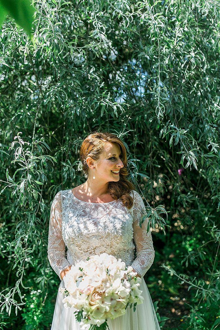 photo robe mariage habillee 020 et plus encore sur www.robe2mariage.eu