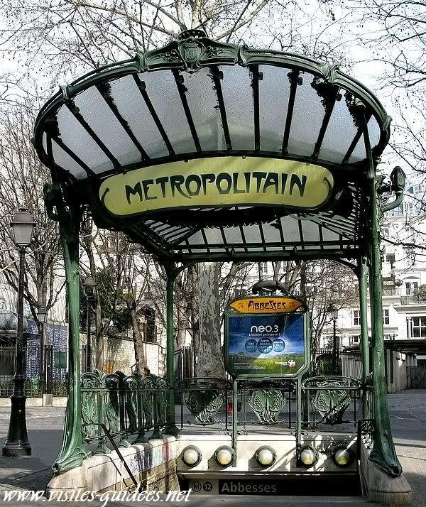 Metro-ingang in Parijs (ca. 1900) van Hector Guimard. Stijl = Art ...