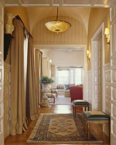 Gary McBournie Inc. - Boston Apartment - Hallway
