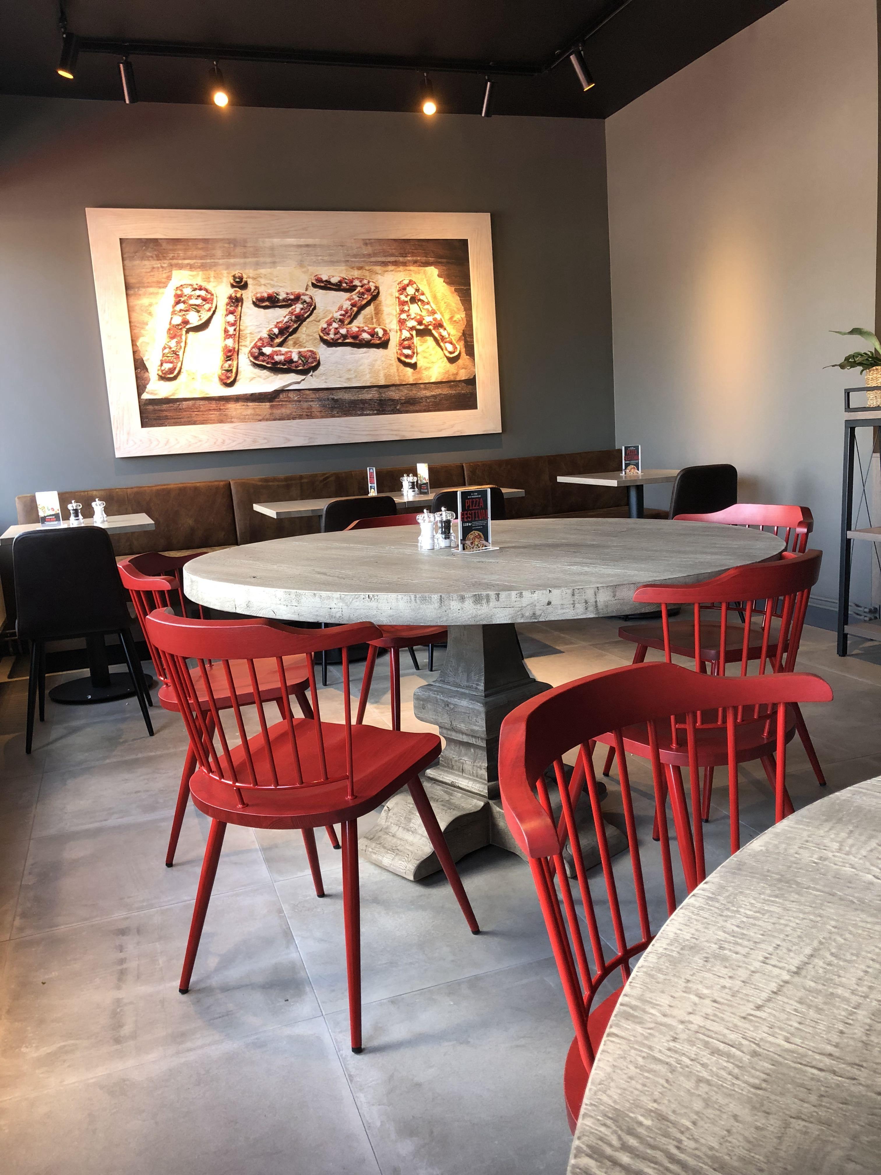 Pizza Hut Boras Vintage Tra Inredning Restaurang Inredning