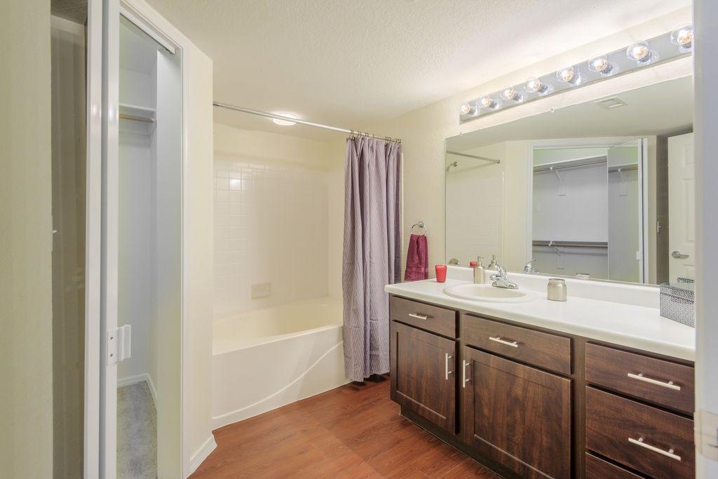 Retreat At Mesa Hills Apartment Rentals El Paso Tx Zillow Rental Apartments Apartment Apartments For Rent