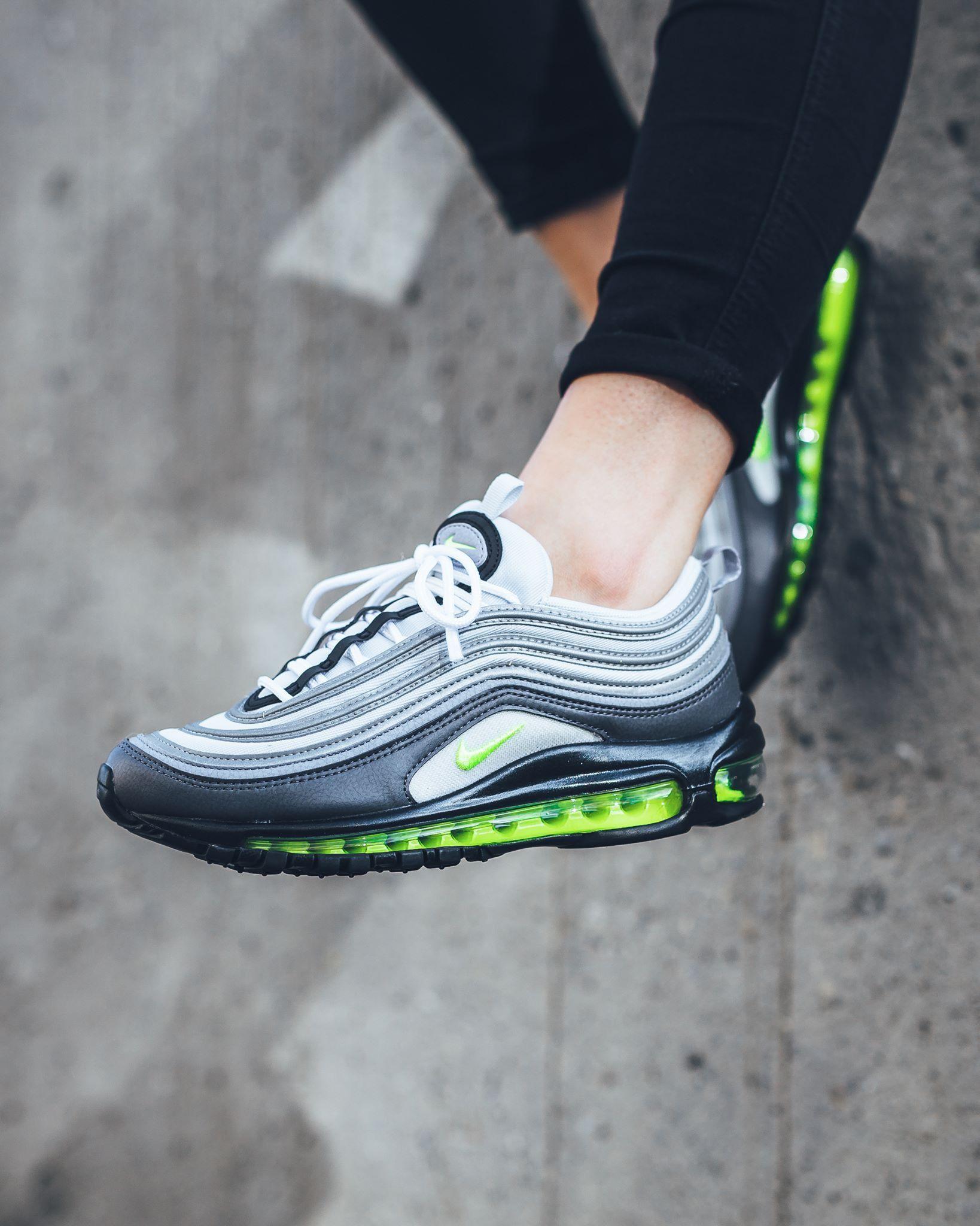 b50fd0747a5a1 Nike Air Max 97   Kicks   Chaussures nike, Nike, Chaussure