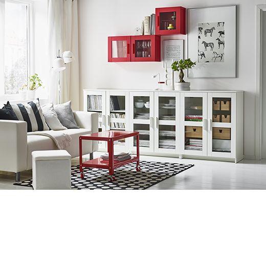 Salón en blanco con muebles BRIMNES en blanco y estantería y mesa de ...