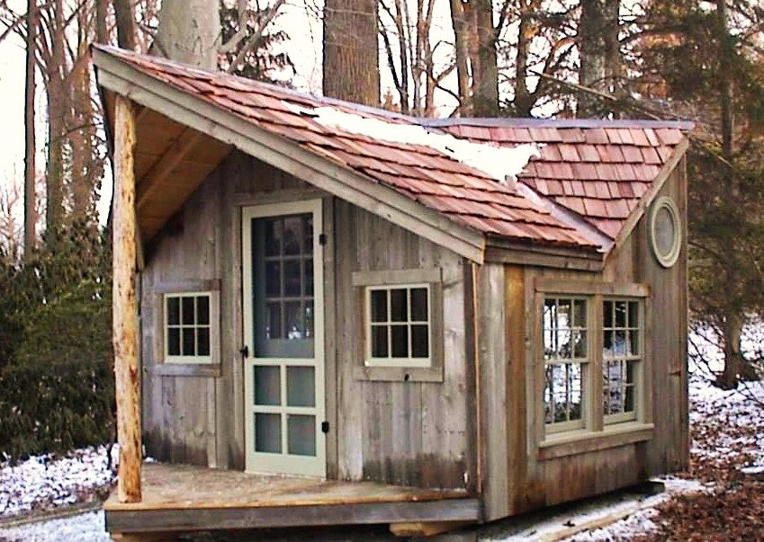 12u0027 X 16u0027 Backyard Cabin Retreat. Pic Shows Red Cedar Shake Shingle Roofing