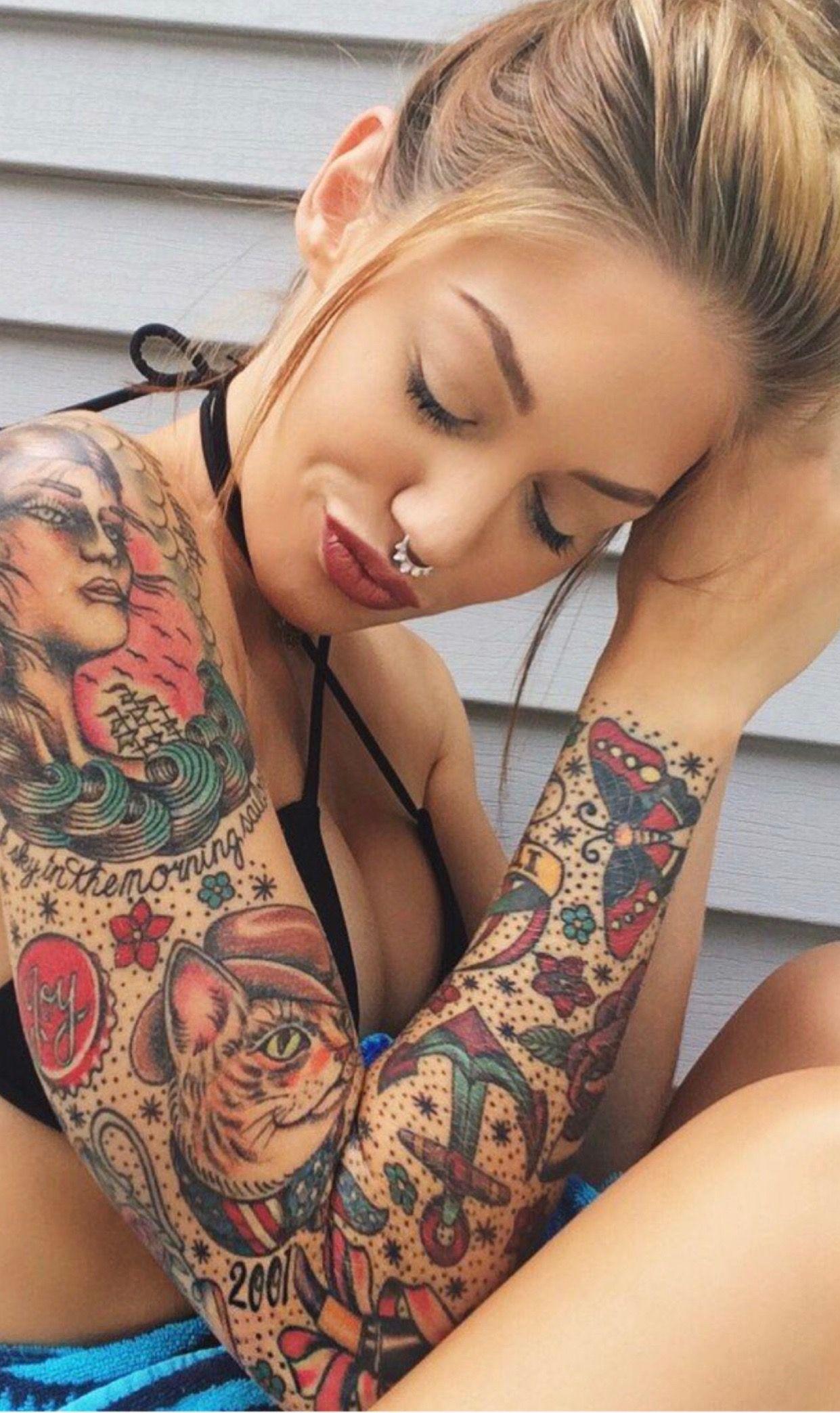 Pin De Styleaholic 20 En Piercings Tattoos Girl Tattoos Y