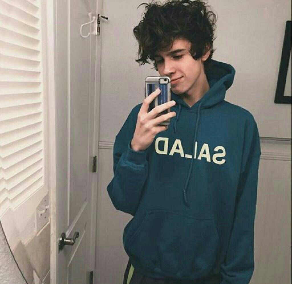 sweater, tumblr, model, cute, grey, black, guys, comfy