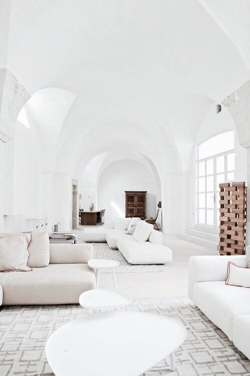 Minimal Mens Living Room Decorating Ideas: All White Living Space