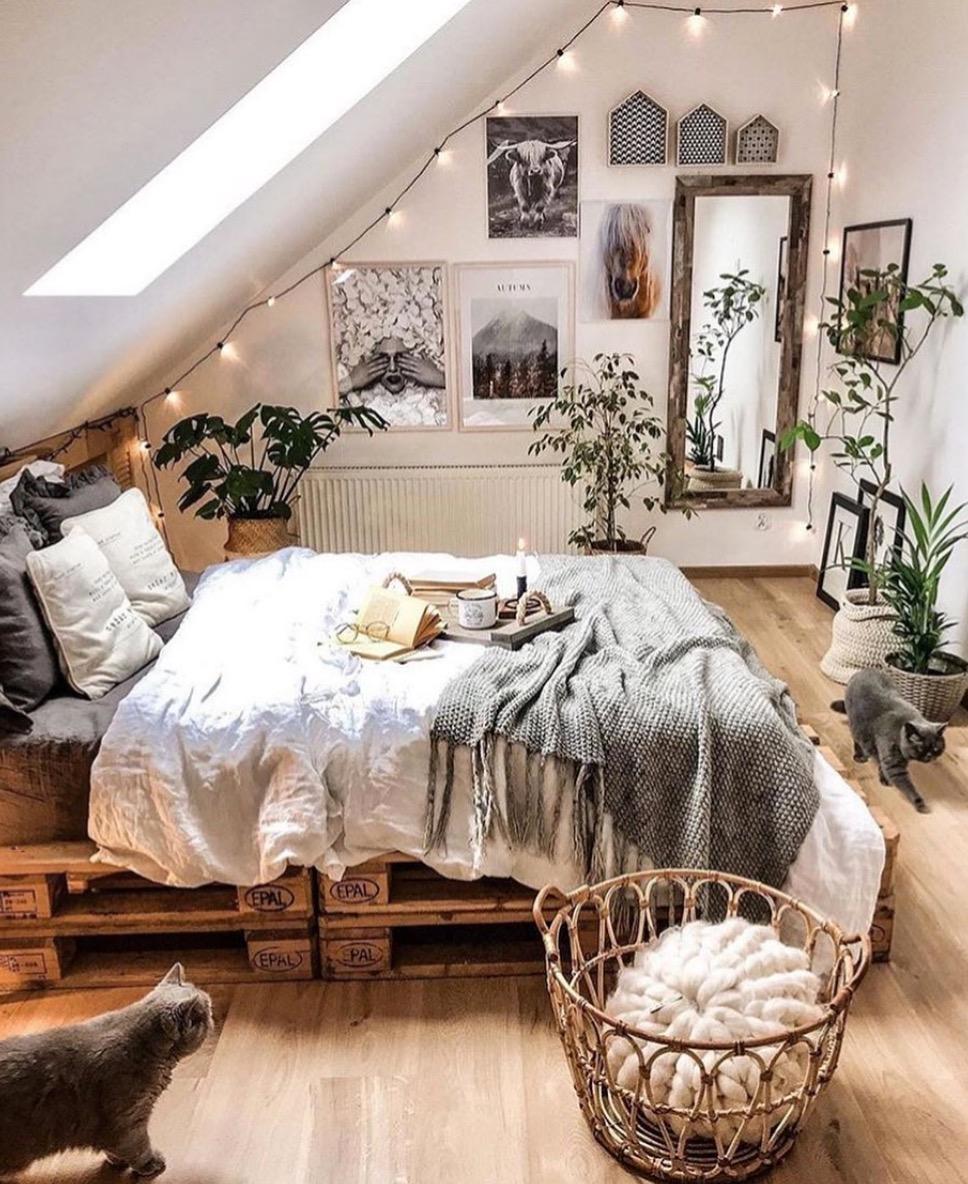 15 inspirations pour créer une base de lit avec des palettes - Joli Joli Design
