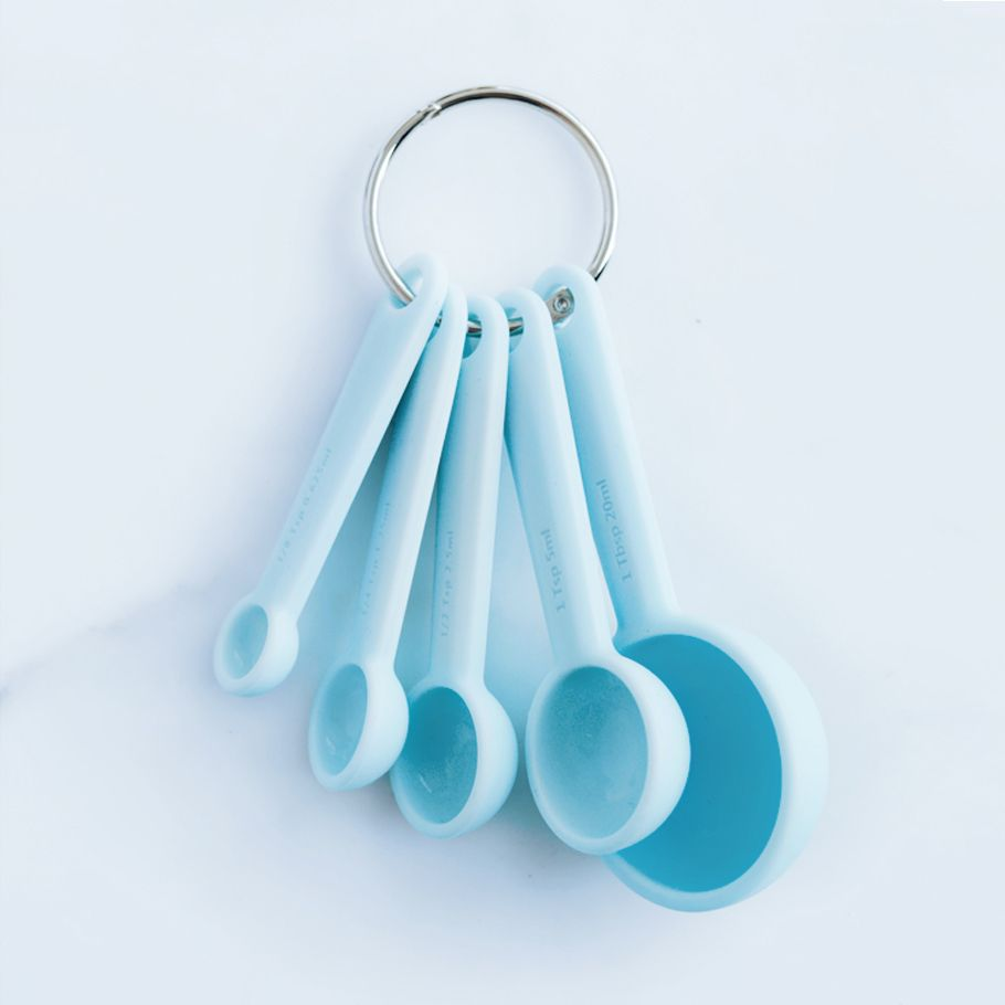 These silicone measuring spoons are a baking must-have. They help ...
