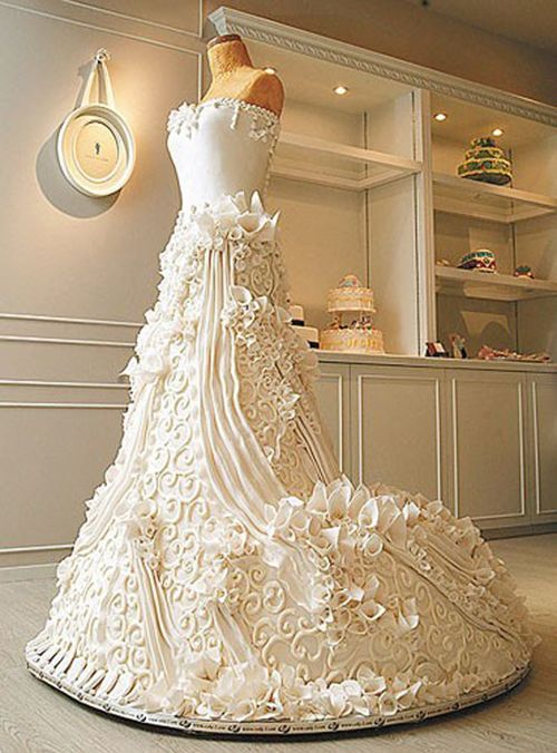 Check Out This Stunning Life Sized Wedding Dress Cake All Ivory Swirls Ribbons