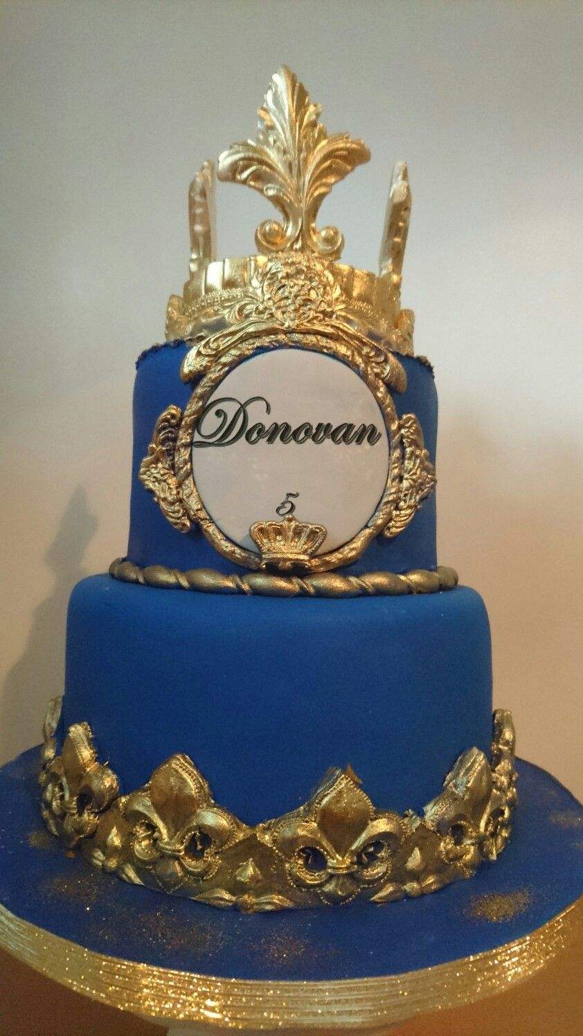 Royal Cake Blue And Gold King Cake With Images Gold