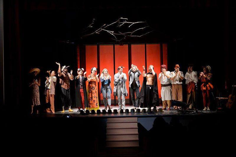 ''Orlando pazzo per amore'': La tragi-commedia pop a Castellaneta. Lo #spettacolo da applausi venerdì 14 Marzo 2014 presso il Teatro Valentino di #Castellaneta (Ta).