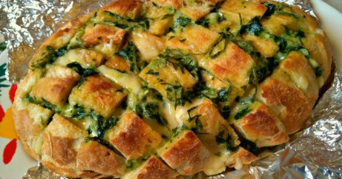 Hogaza+de+pan+con+ajo,+perejil+y+queso