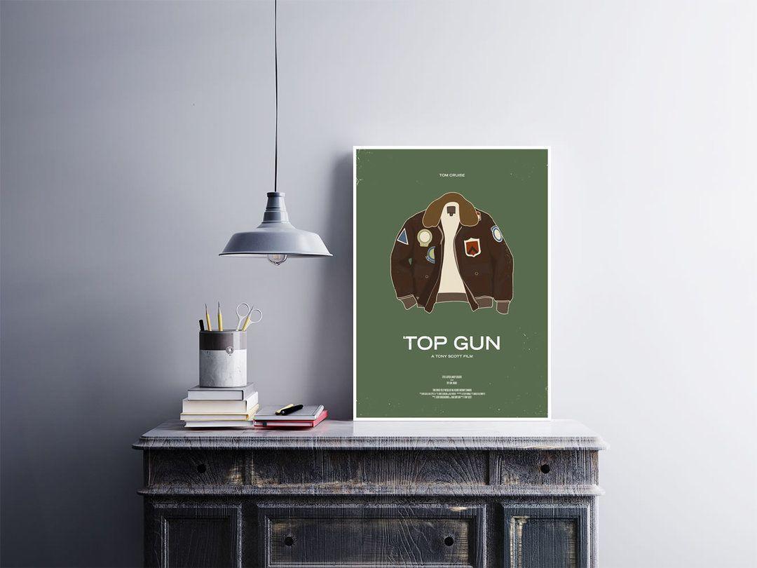 """""""Top Gun""""  Pôster 30x40cm adesivado em placa de MDF 3mm.  Use sobre um móvel ou na parede, não precisa furar a parede, acompanha fita dupla face nas costas.  Esse e outros pôsteres você encontra em Arte em Pôster  http://bit.ly/2ep0cVg  #placa #adesivo #poster"""