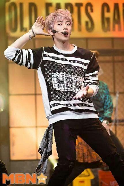 Junho   2PM Comeback stage on MCountdown 09.11.2014   2PM ...  2pm 2014 Comeback
