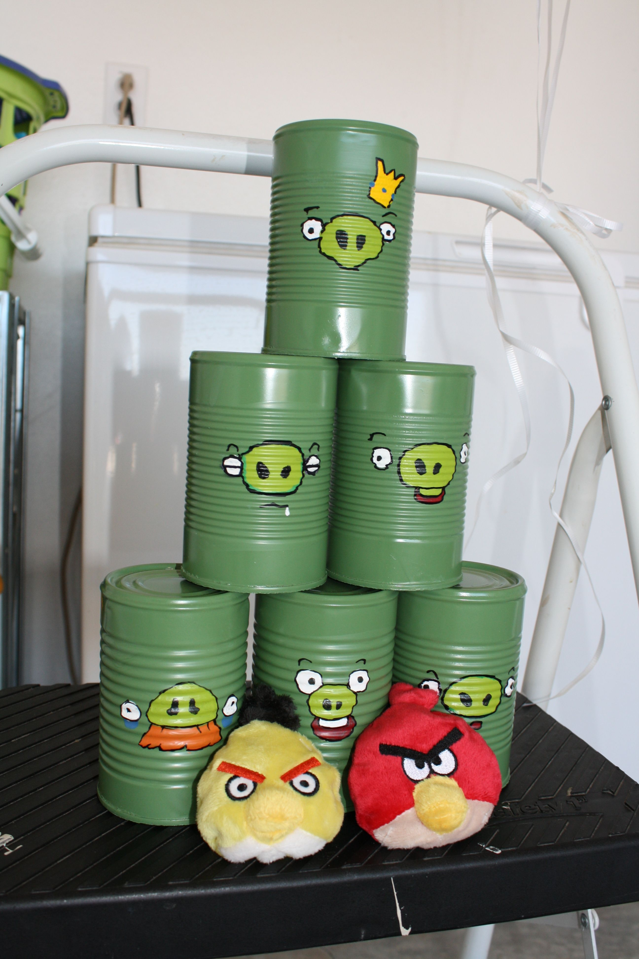 Angry Bird Pig Can Game Angry birds pigs, Villains party