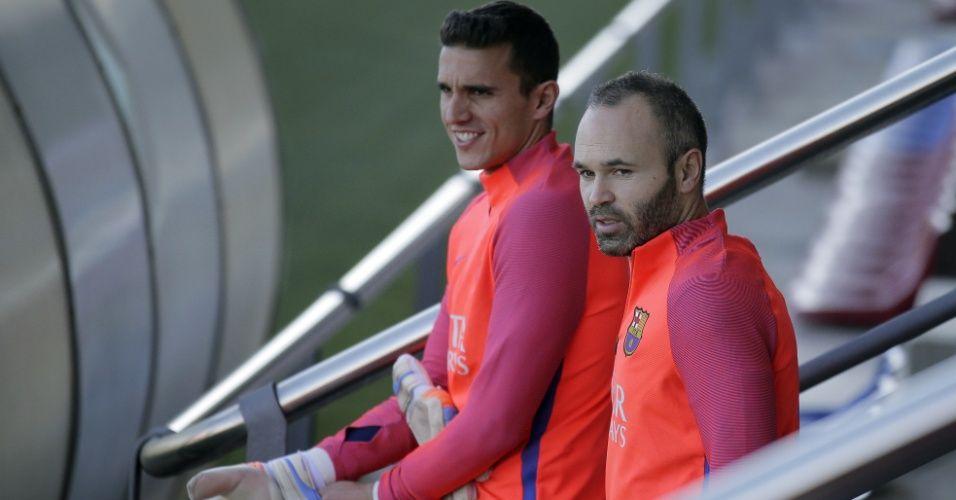 Mesmo sem jogar, goleiro do Barça aceita renovar com o clube, diz jornal