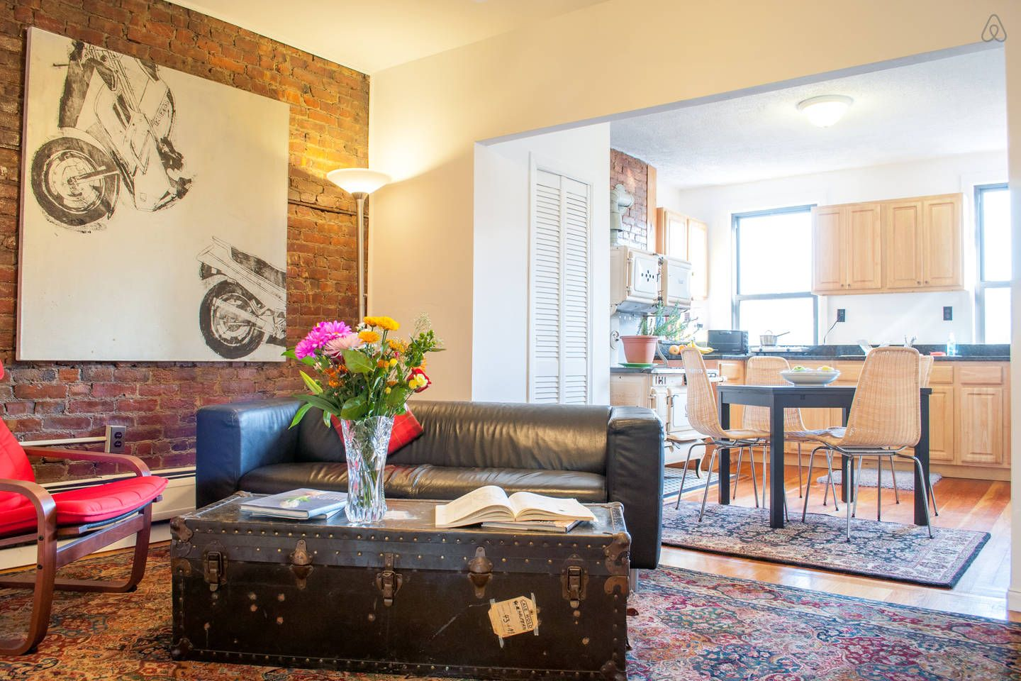 A Lovely Apartment Minutes To Nyc In Jersey City Lovely Apartments Vacation Home Home