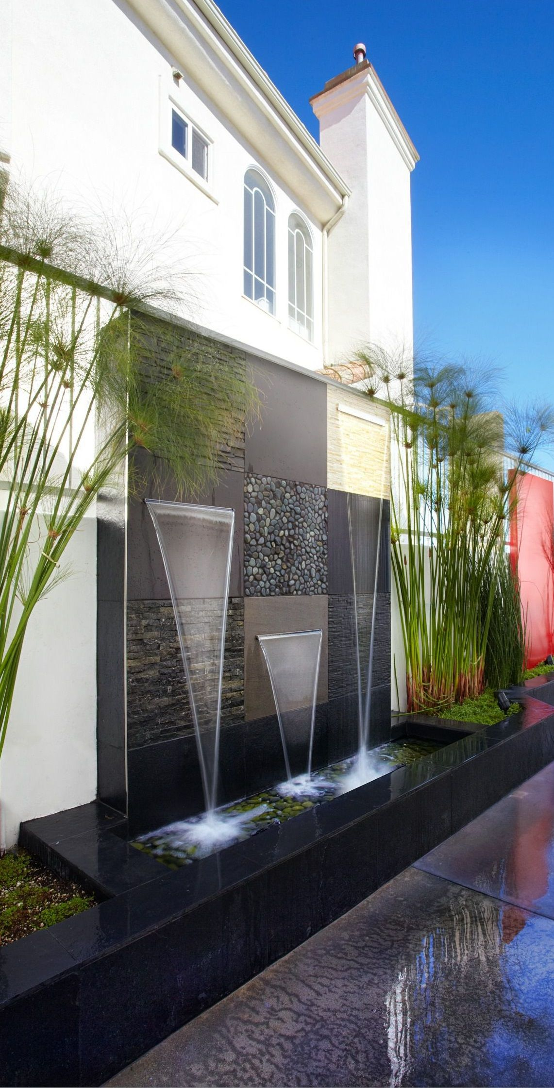 Awesome Outdoor Water Walls Best Inspiring Ideas Courtyard Gardens Design Rooftop Design Small Backyard Garden Design Modern outdoor water feature ideas