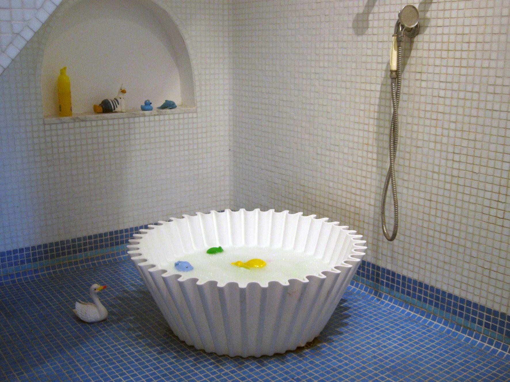 High-backed bath | Pinterest | Shared bathroom and Bath