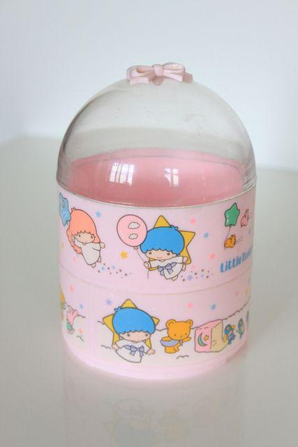 【1985】Round Shaped Plastic Trinket Box ★Little Twin Stars★