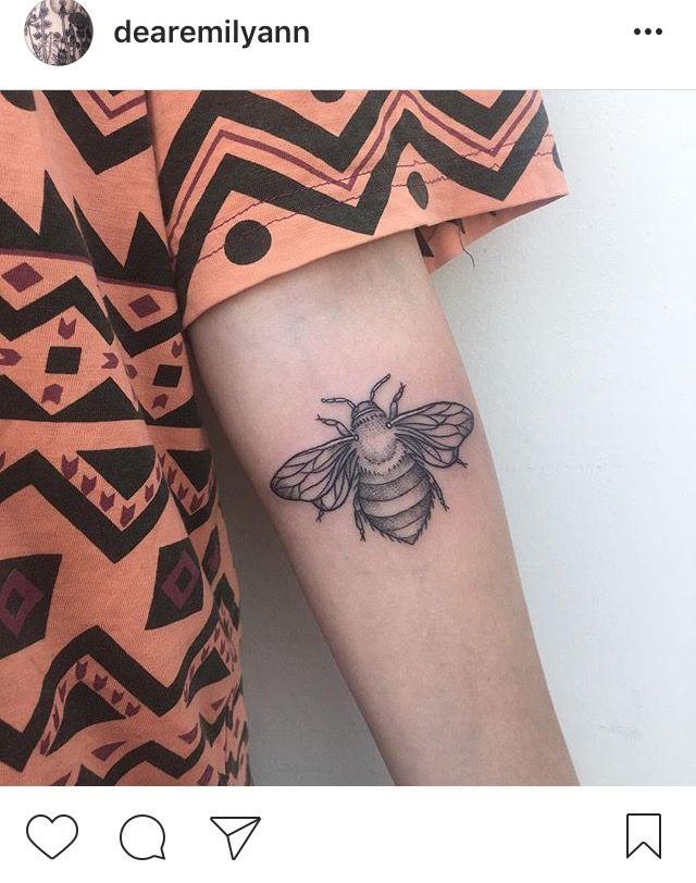 Queen Bumble Bee Dotwork Linework