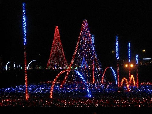 Image Detail For Stand And Be Dazzled The Shadrack Christmas Lights Show Christmas Light Show Christmas Lights Lights