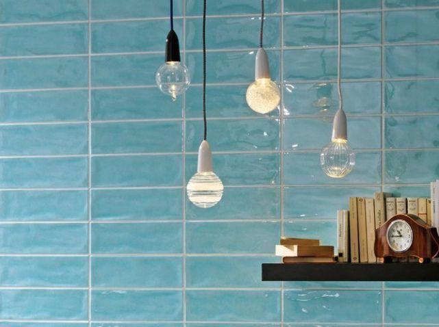 Le Turquoise Le Bleu Qu On Adore Elle Decoration Salle De Bain Turquoise Carelage Salle De Bain Et Faience Salle De Bain