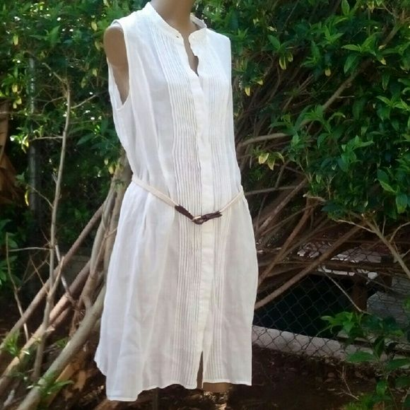 Theory new white dress sz m Cotton dress is adorable sz m. New without tag. Button down. Dress comes with belt. Great casual summer dress. Thank you for looking Theory Dresses Midi