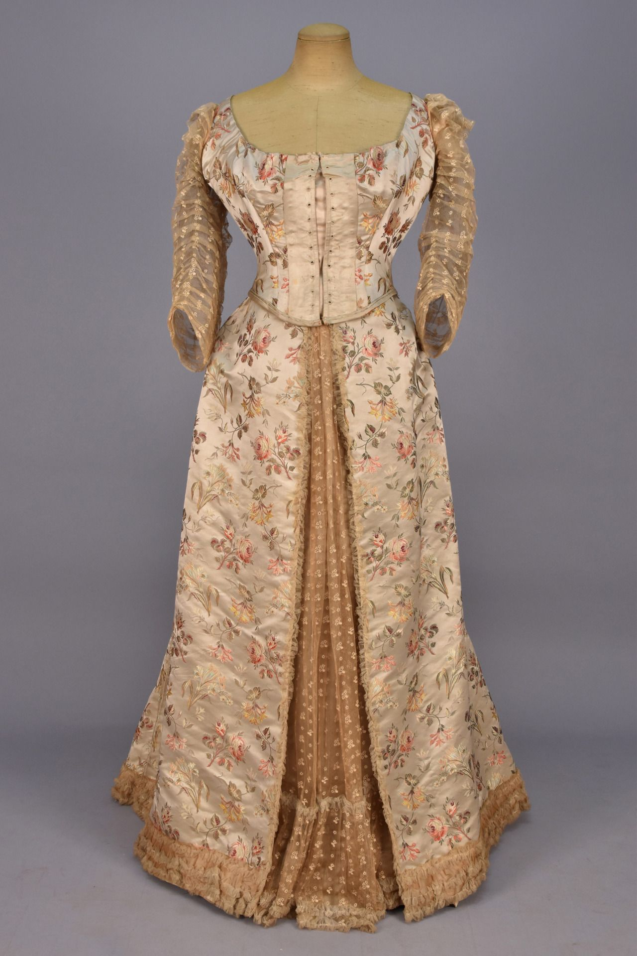 Fripperies and fobs renaissance and period clothing pinterest