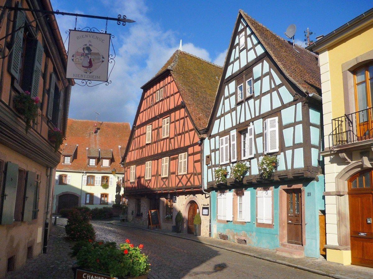 Les 20 Plus Beaux Sites A 15 Km Autour De Colmar Mon Grand Est Colmar Chateau Du Haut Kœnigsbourg Beau Site