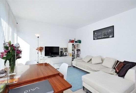 London Flat Rentals Hornsey Street Perfect Commute Set In A Modern Development This Two Bedroom Open Plan Property Ben Flat Rent Rent In London London Flat
