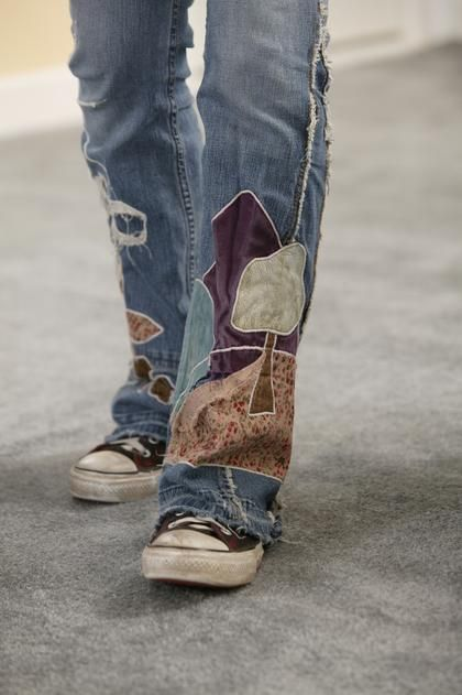 Patch the thigh or legs of jeans for a great hobo-chic style.