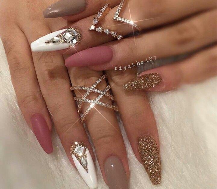 Pin by Mari Elena Nuta on unghii | Manicure, Gel manicure