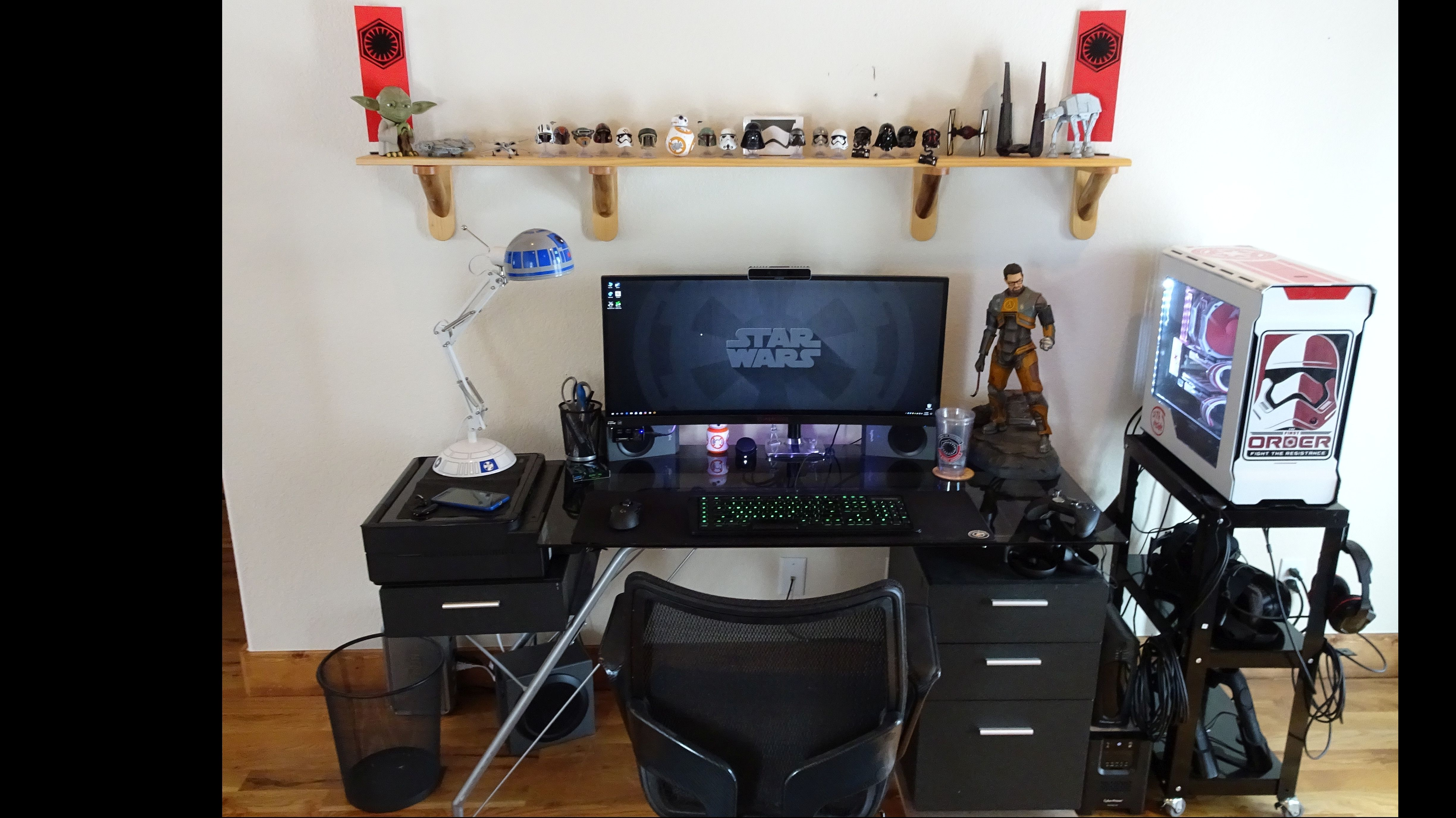 My custom Star Wars themed Computer and VR Playroom